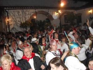 Asistentes a la encamisa de las fiestas de San Antón
